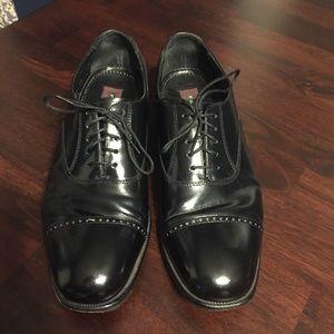 Florsheim black leather Oxford shoes. Size 8.5D